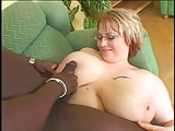 BBW moeder pijpen en neuken zwarte pik