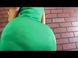 Dikke kont latijn slet in groene jurk