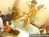 Gluren douchende mannen