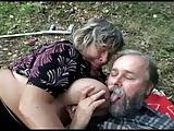 Ouder echtpaar met ondeugende tiener buiten seks